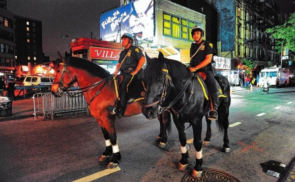 City police on horseback